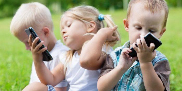 Recomendaciones Actividad física y reducción sedentarismo en infantiles y adolescentes.